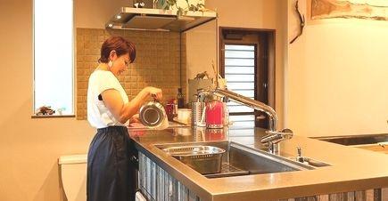 愛知県刈谷市M様邸 戸建リノベーション『シャビーテイストのオーダーキッチン 自然素材の温かさに包まれて』