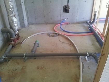 ライフライン(水道管、給湯管、ガス管など)はしっかり見直し。