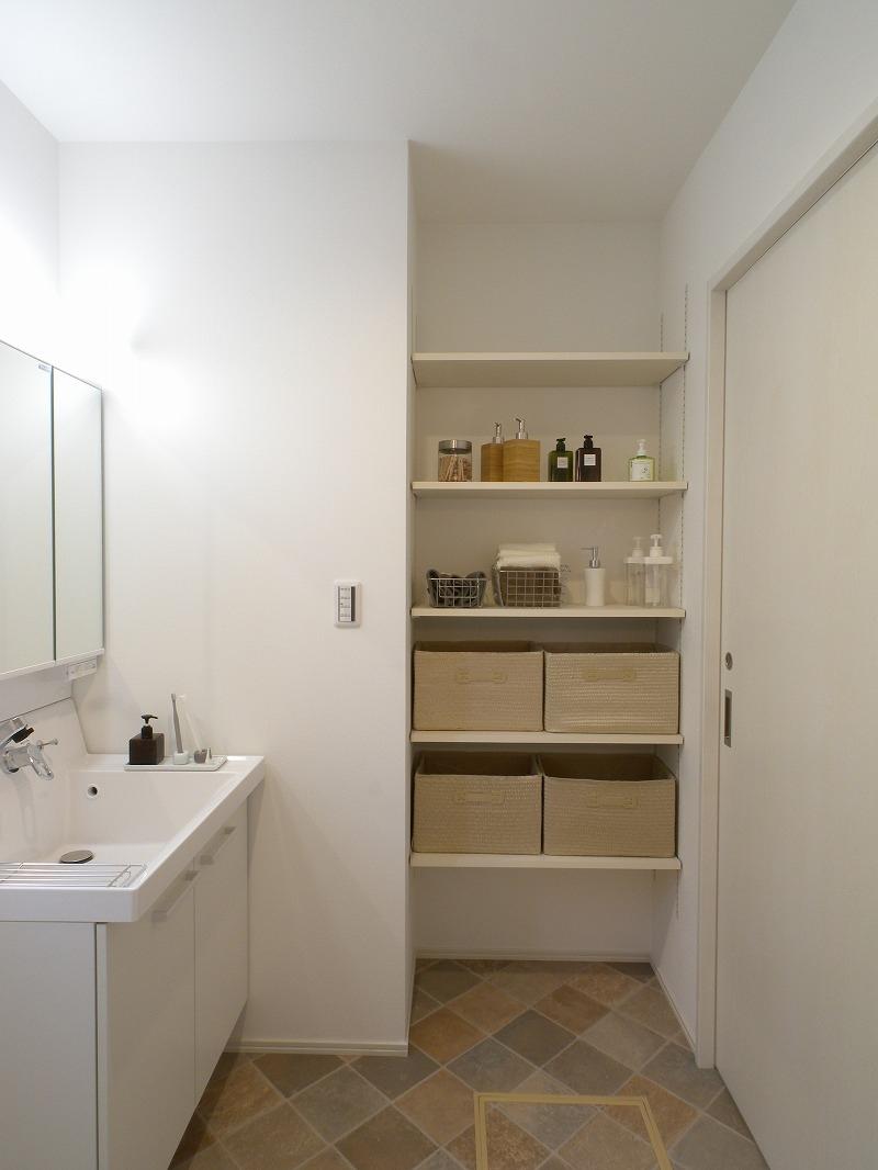 泉田の家モデルハウス 洗面室造作収納