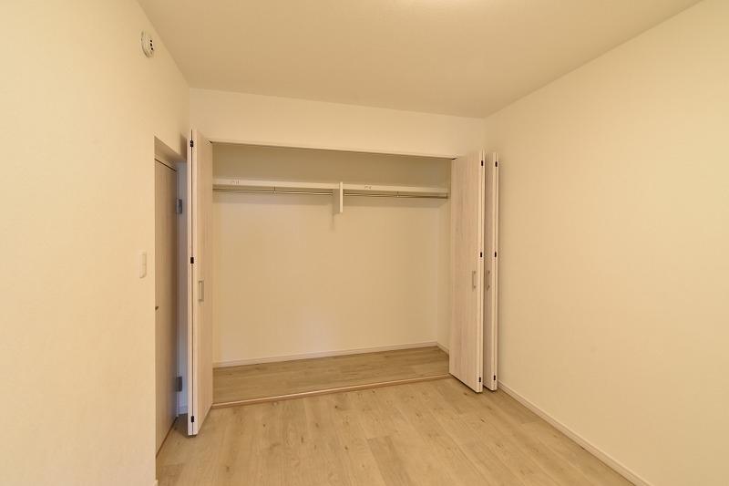 安城市 マンションリノベ 洋室
