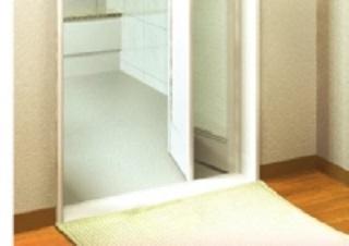 浴室には水に強く腐りにくい樹脂枠を採用。